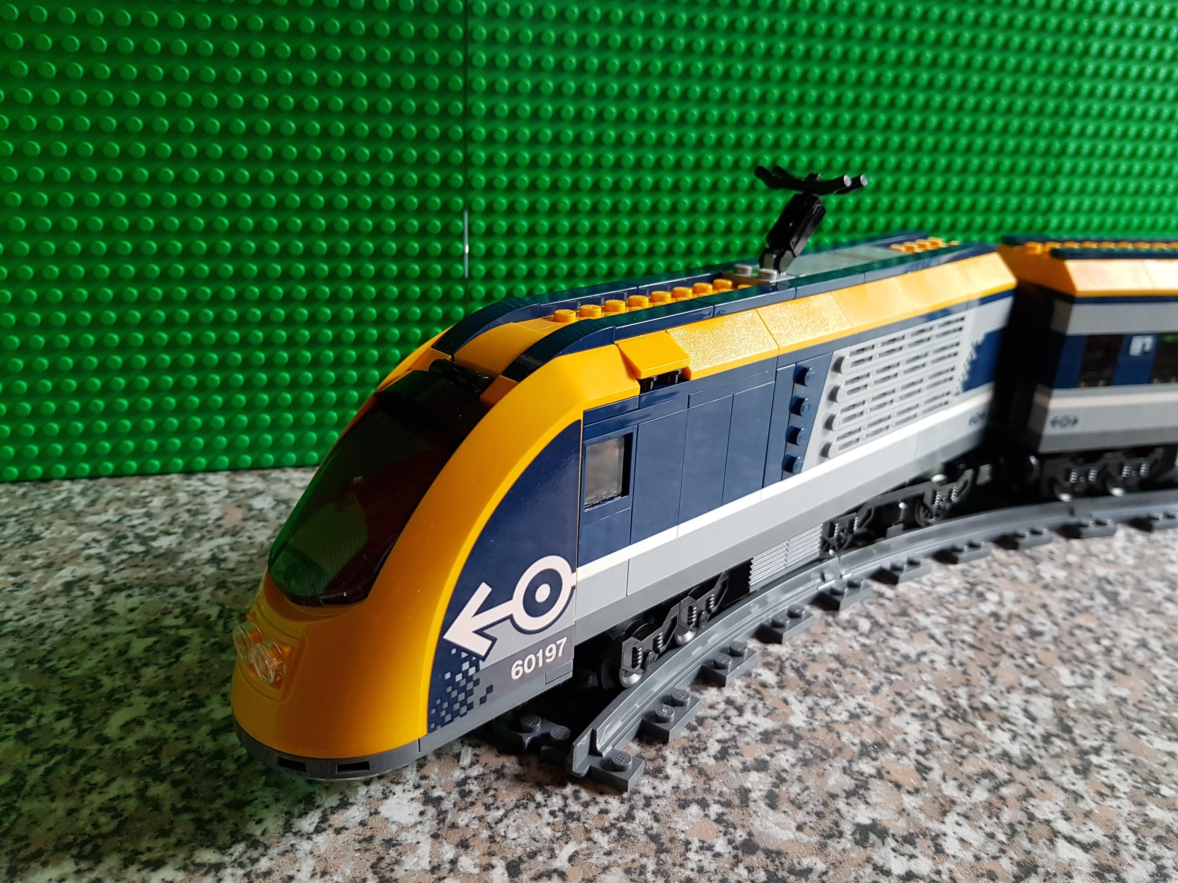LEGO® Passagierzug 60197